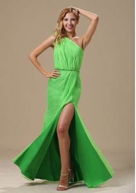 One Shoulder High Slit Spring Green Ruched Prom Dress