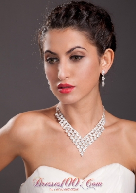 Ivory Ladies Necklace Earrings Jewelry Set Imitation Pearl
