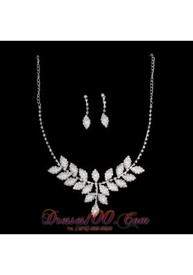 Ivory Pearl Necklace And Earrings With Rhinestone
