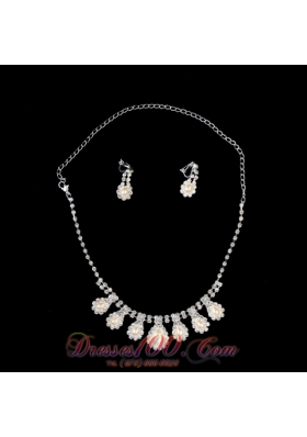 Necklace and Earring Set With Pearl Rhinestone