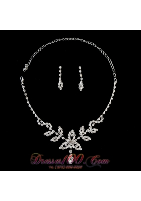 Stunning Alloy With Rhinestone Women's Jewelry Set