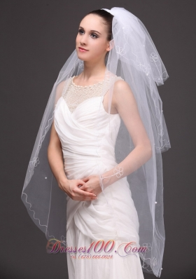 hree-tiered Tulle Embroidery Bridal Veil