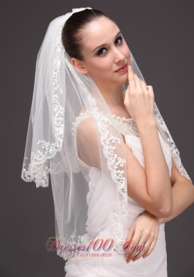 Lace Applique Two-tiered Tulle Wedding Veil