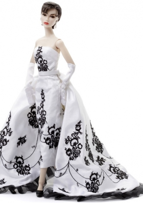 Embroidery Wedding Dress For Barbie Doll with Brush Train