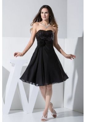 Black Knee-length Sequin and Hand Made Flower Prom Dress