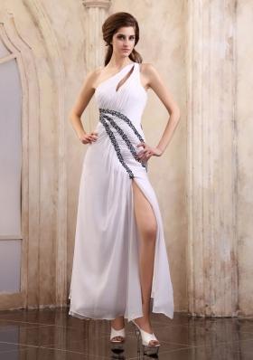 Ankle-length White Front Split One Shoulder Prom Dress