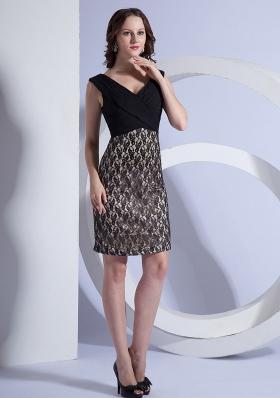 Lace Stylish V-neck Mini Column Prom Dress Black