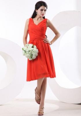 Red V-neck Ruch Prom Dress Empire Knee-length