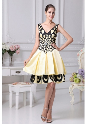 V-neck Beading Decorate Yellow A-line Graduation Gowns for 2013