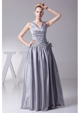 Silver V-neck Hand Made Prom dress Appliques Pleats