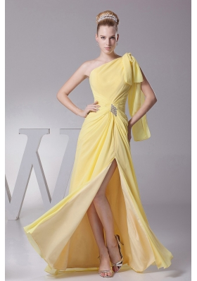 High Silt One Shoulder Light Yellow Prom Dress