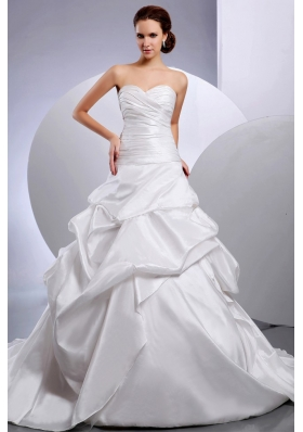 2013 Wedding Dress Romantic Pleats Pick-ups Chapel