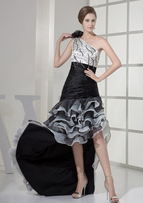 Elegant Wedding Dress Beading Ruched Court