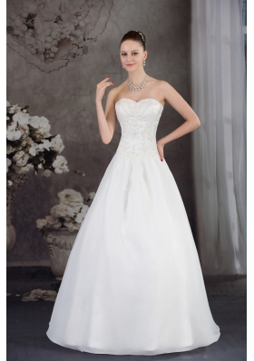 A-line Sweetheart Organza Appliques With Beading Wedding Dress