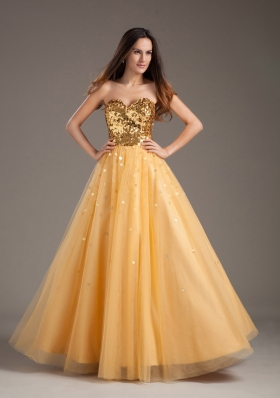 Luxurious A-line 2013 Prom Dress Sweetheart Gold With Tulle