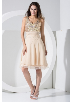 V-neck Knee-length  Prom Dresses with Sequins and Ruched Sash