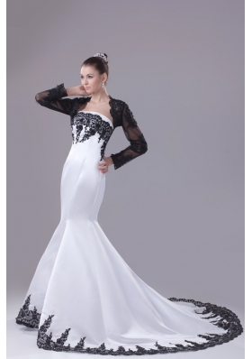 Strapless Mermaid Court Train Bridal Gowns Decorated with Black Lace Flowers