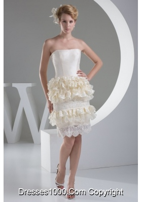 Knee-length Strapless Lace Hem Champagne Wedding Dresses