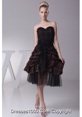 Sweetheart Knee-length Prom Dress with Tulle Sash and Hemline