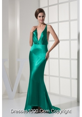 Green Brush Train Backless Prom Evening Dress with Plunging Neckline