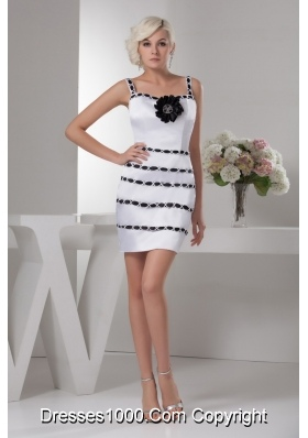 Straps Black and White Mini-length Wedding Dresses with Hand-made Flower