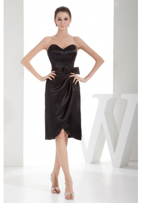 Column Black Sweetheart Bowknot Short Prom Dress with Satin