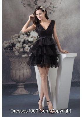 Organza Plunging V-neck Ruffle-layers Ruched Prom Dress in Black