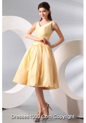 Light Yellow V-neck Knee-length Ruching Dresses for Prom Night