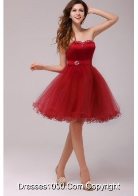 2014 Sweetheart Beading Knee-length Prom Dresses in Wine Red