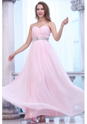 Elegant Baby Pink Sweetheart Beaded and Ruched Chiffon Prom Dress