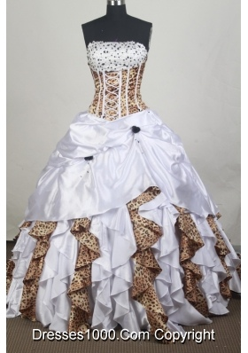 Exclusive Ball gown Strapless Chapel Train Quinceanera Dresses