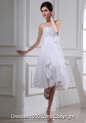 A-line Strapless Tulle Appliques Hand Made Flower White Wedding Dress