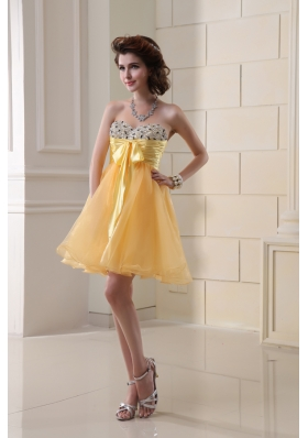 A-line Sweetheart Organza Ruching Mini-length Prom Dress in Gold