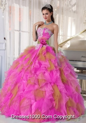 Beautiful Sweetheart Ruffels Elegant Quinceanera Dress with Hand Made Flower and Appliques