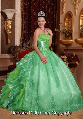Ball Gown Strapless Green Ruffles Embroidery Vestidos de Quinceanera Dress