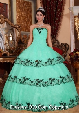 Elegant Apple Green Ball Gown Strapless with Lace and Appliques Quinceanera Dress