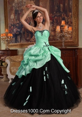 Elegant Quinceanera Dress in Apple Colourful Ball Gown Sweetheart with Hand Made Flowers