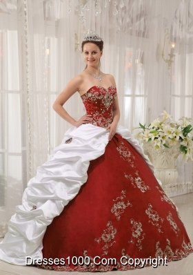 Puffy Sweetheart 2014 New Style Quinceanera Dresses with Embroidery