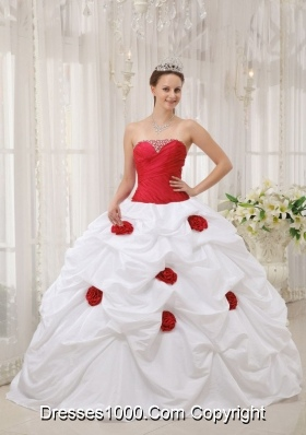 Vintage Red and White Strapless Floor-length Sweet 15 Dresses with Beading
