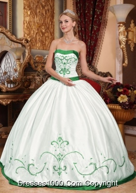 White and Green Puffy Satin Embroidery Quincianera Dresses for Cheap