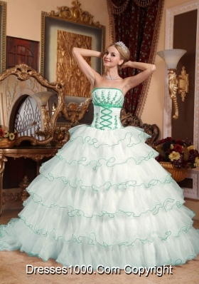 White Strapless Detachable Train Organza Appliques Quinceanera Dress with Layers