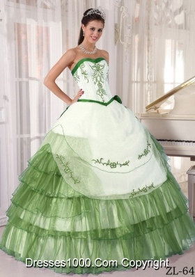 Sweetheart Organza Green Embroidery Quinceanera Gowns Dresses
