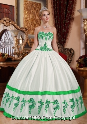 Sweetheart Green Appliques for White Puffy Quinceaneras Dress