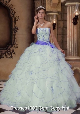 White Strapless Organza Purple Embroidery Quinceneara Dresses with Ruffles