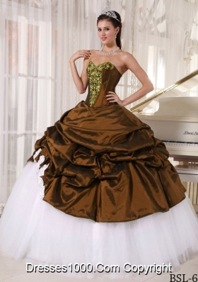 2014 Fashionable Puffy Sweetheart Quinceanera Dress with Appliques and Pick-ups