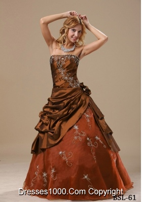2014 Popular Princess Strapless Embroidery Quinceanera Dresses in Brown