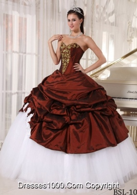 Puffy Sweetheart Burgundy Quinceanera Dresses with Appliques and Pick-ups