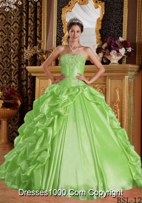 Sweetheart Lemon Green Quinceanera Dresses with Emboridery and Beading