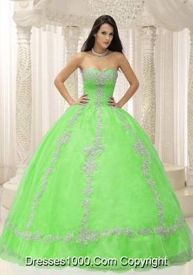 Lemon Green Sweetheart Appliques and Beaded Decorate For 2014 Quincianera Dresses