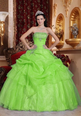 2014 Ball Gown Organza Beading Quinceanera Dresses with Strapless